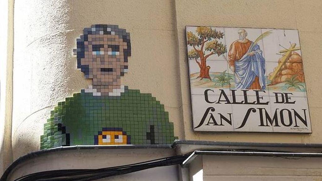 El último icono pop: Fernando Simón tiene ahora un mosaico con su imagen en una calle de Madrid