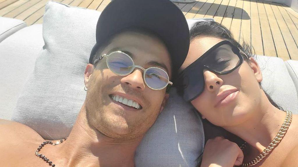 Un yate de 16 millones de euros: las vacaciones de Georgina Rodríguez y Cristiano Ronaldo por la costa italiana