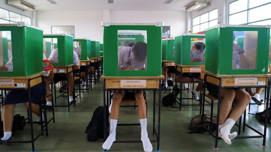 Tailandia vuelve al cole con medidas extraordinarias de protección