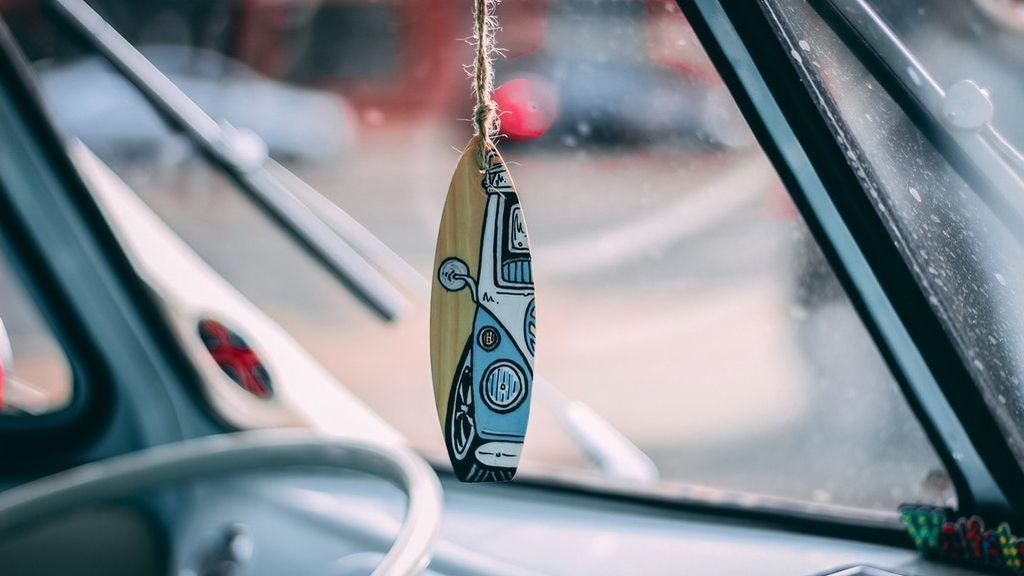 Cómo transportar una tabla de surf correctamente en tu coche
