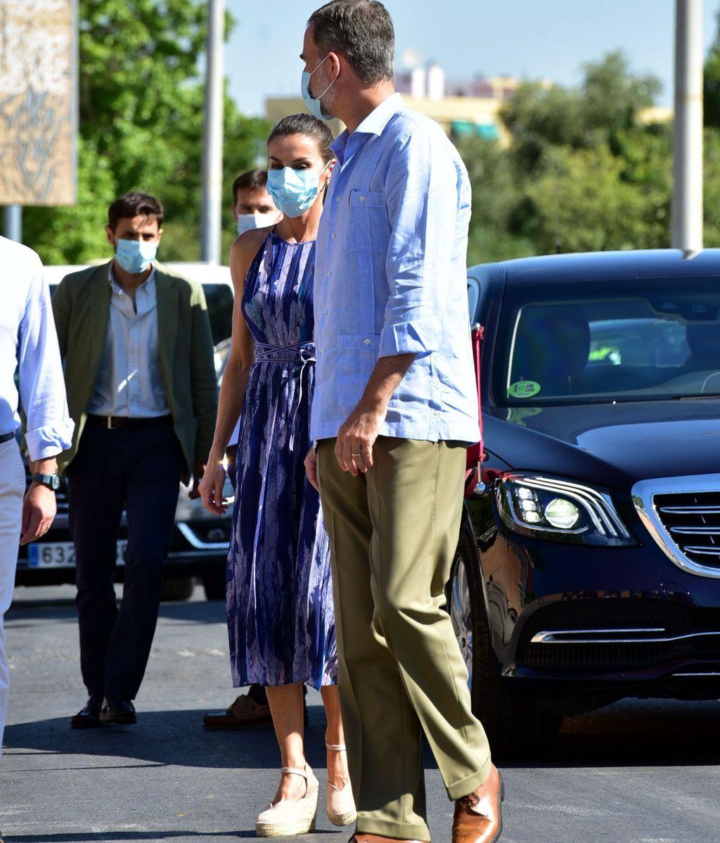 Felipe y Letizia, a su llegada a las Tres Mil Viviendas