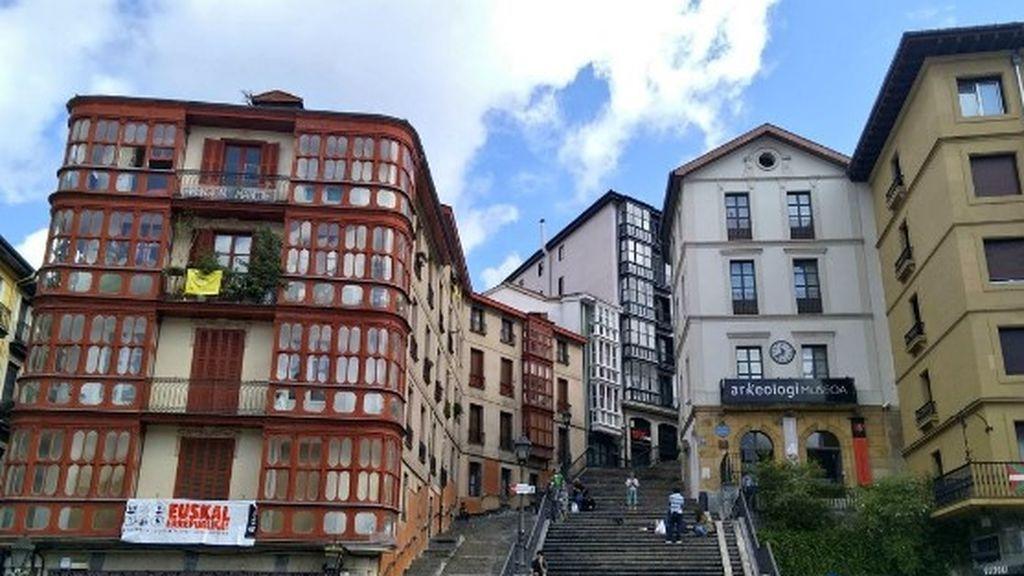 Condenado por matar a su perro lanzándolo por el balcón  en Bilbao