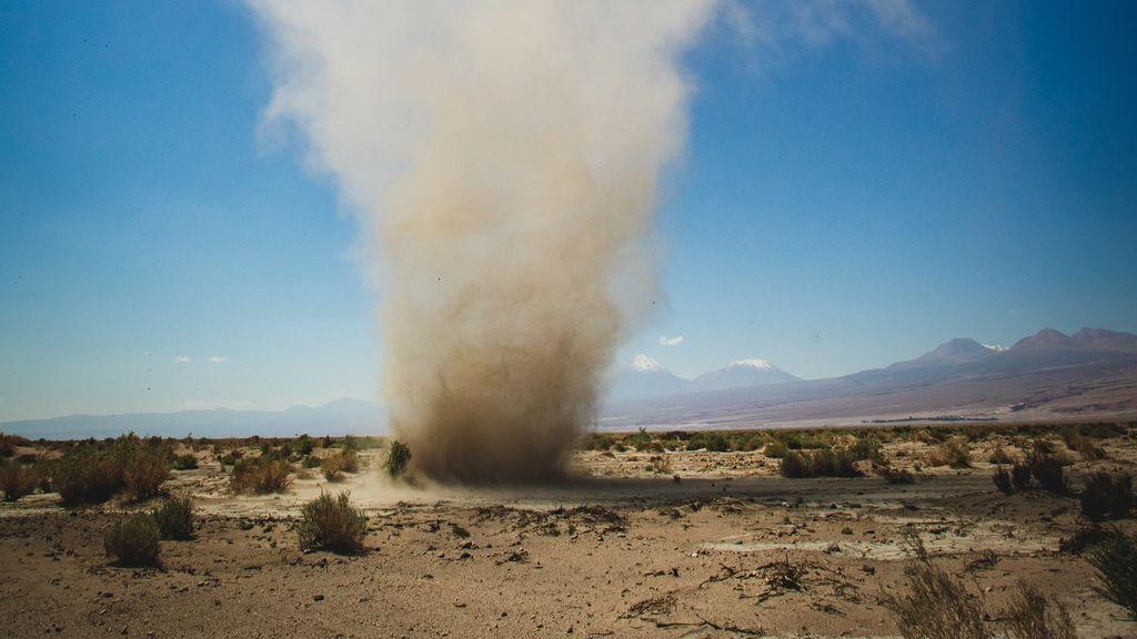 Remolinos de arena o tolvaneras: el fenómeno parecido a un huracán que se forma con calor