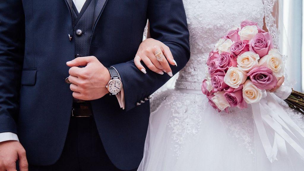 Del arroz a la liga: las tradiciones más populares en las bodas.