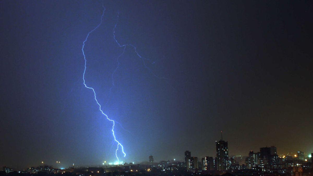 Las tormentas monzónicas en la India se cobran al menos 32 muertos por impactos de relámpago