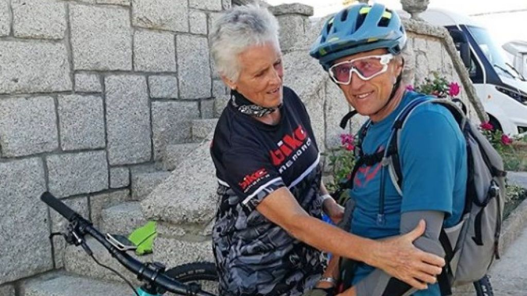 """La técnica infalible de Calleja para que Mercedes Milá no se rompa las rodillas en bici: """"La posición del cangrejo"""""""