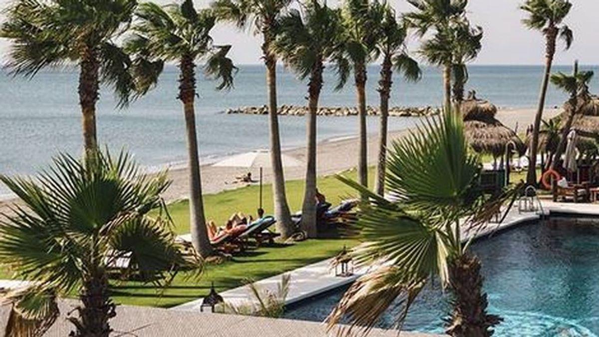 Rescatan a dos hermanos de 3 y 5 años de una piscina en Cádiz: uno de ellos ha fallecido