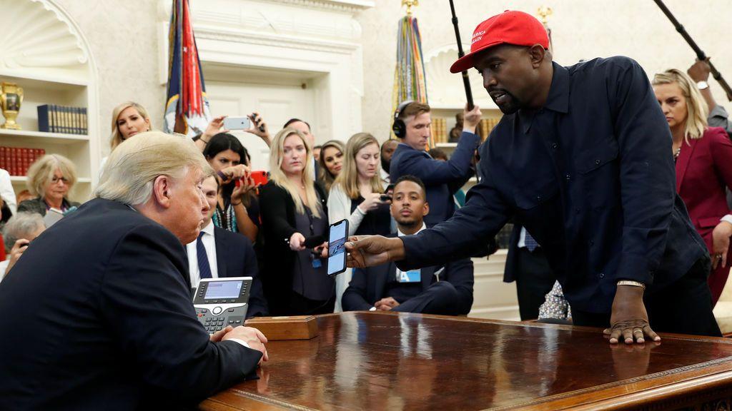 Kanye West en una reunión con Donald Trump en la Casa Blanca
