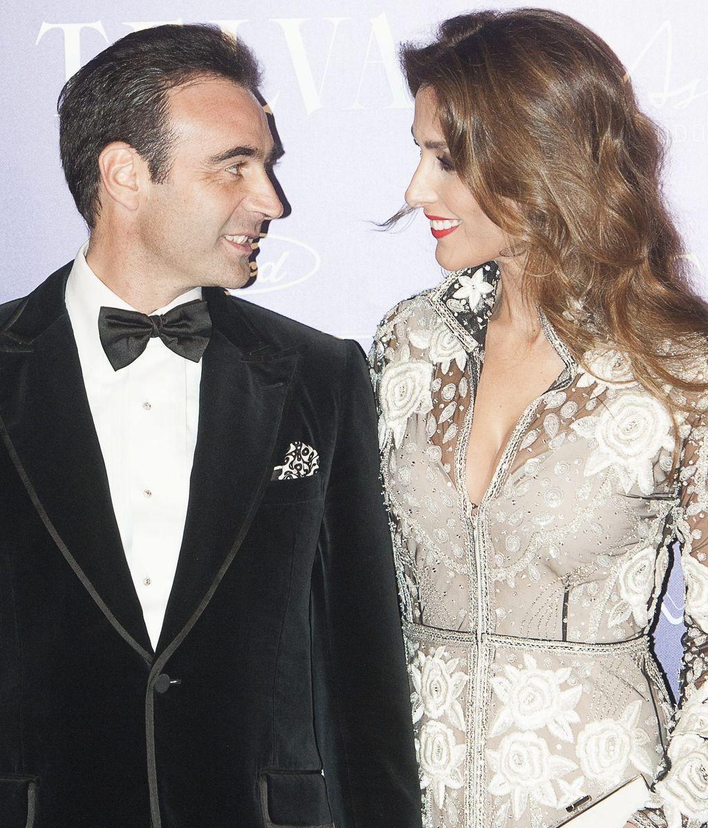 Enrique Ponce y Paloma Cuevas, en un evento