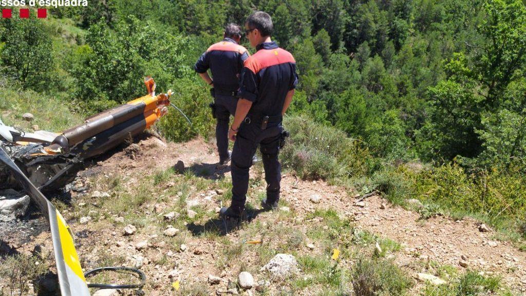 Mueren dos personas al estrellarse el helicóptero en el que viajaban en La Seu d'Urgell, en Lleida
