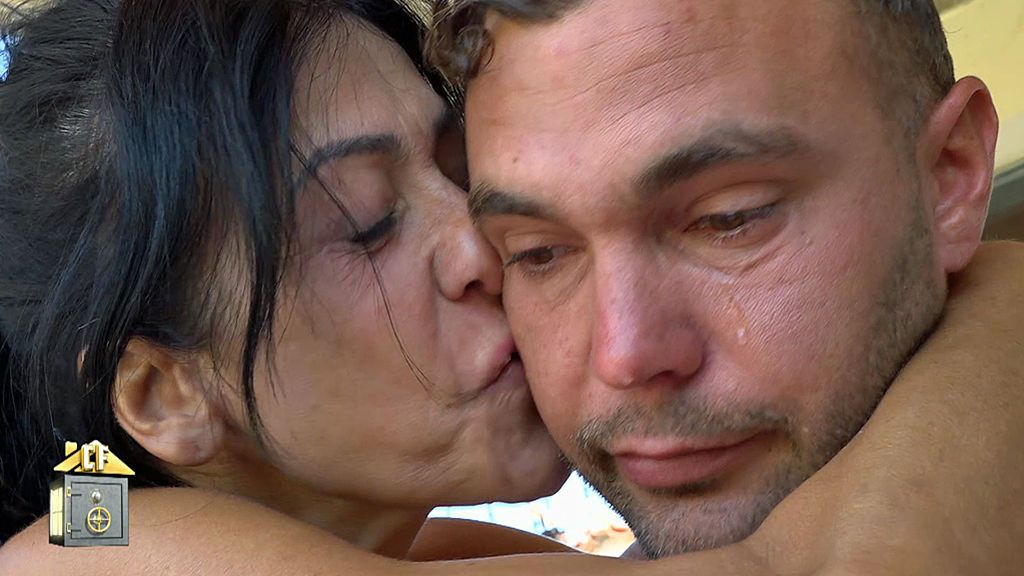 Cristian se emociona escribiendo una carta a Sofía por su cumpleaños ante el consuelo de Maite