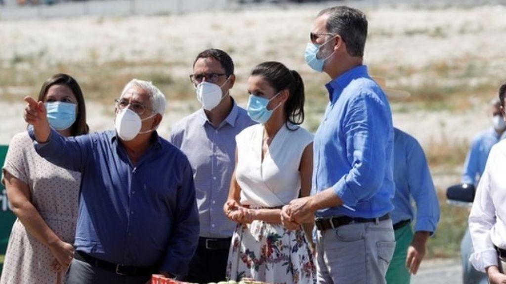 Los reyes visitan una cooperativa de frutas en Murcia en apoyo al campo