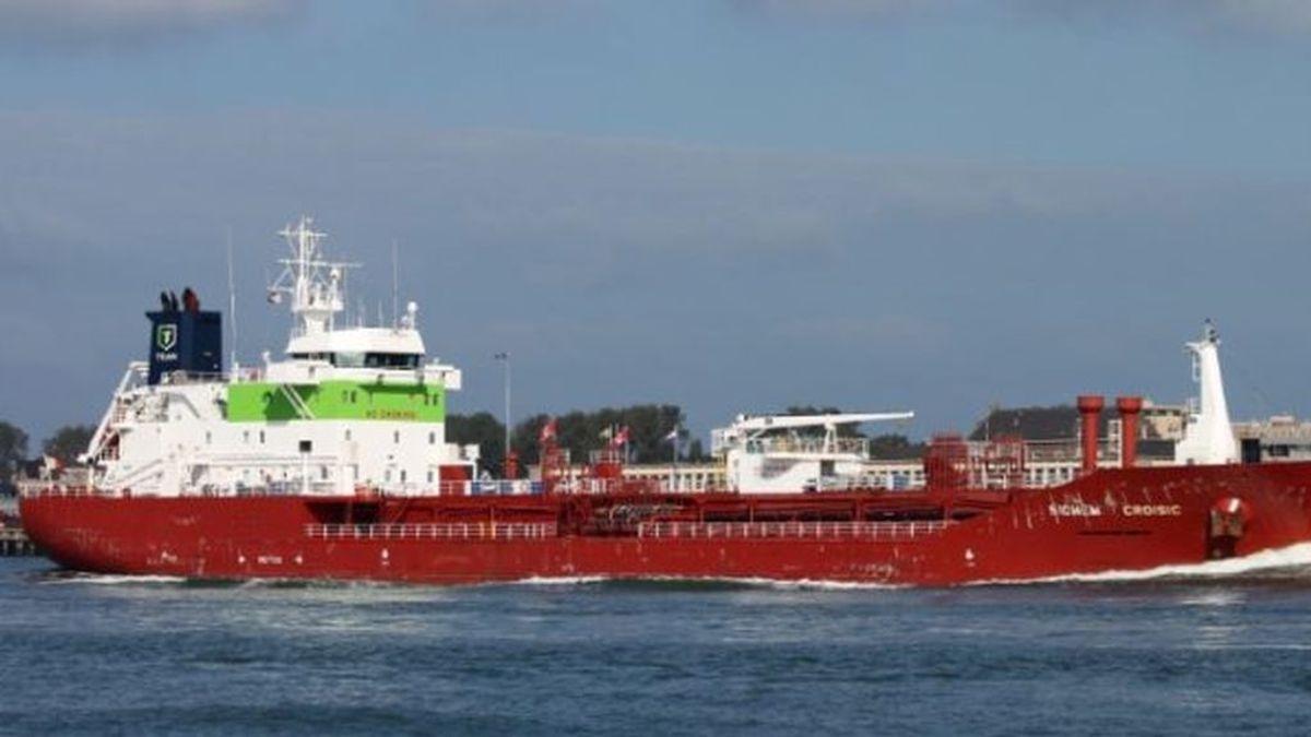 Los tres positivos de un buque que pide atracar en Huelva pasarán el aislamiento a bordo