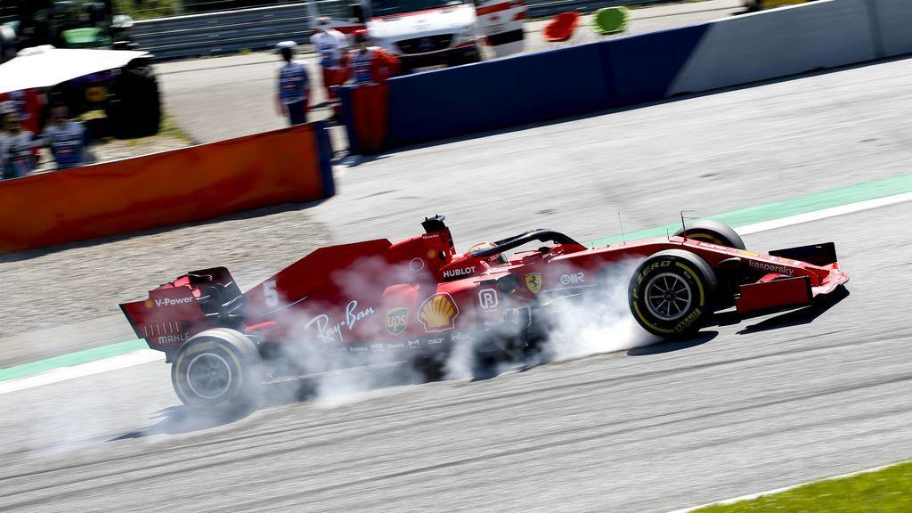 Sebastian Vettel se pasa de frenada en Austria