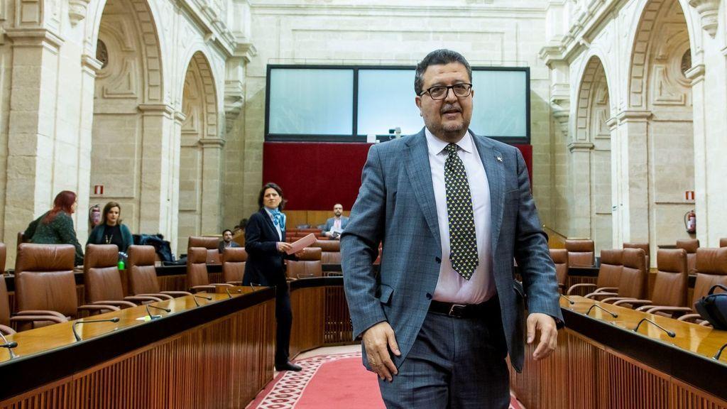 La Fiscalía acusa al juez Serrano, ex presidente de Vox Andalucía , de apropiarse de 438.000 euros
