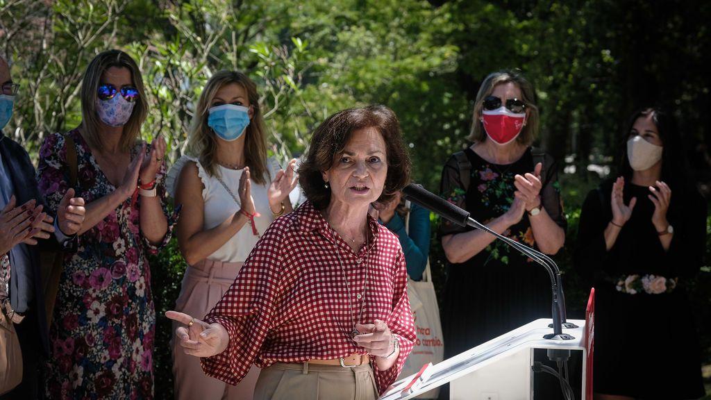La vicepresidenta Carmen Calvo en un acto electoral en Santiago de Compostela