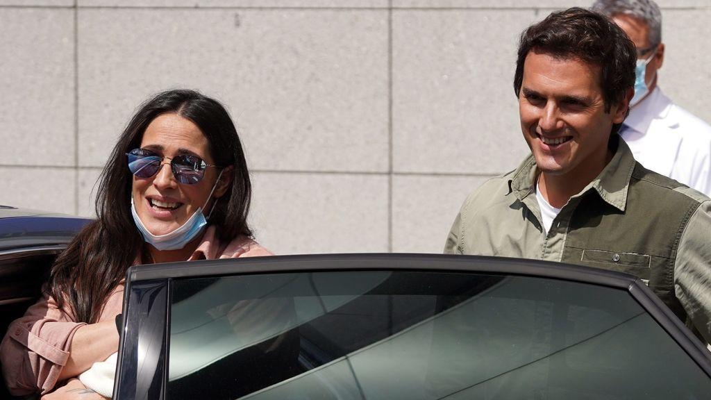 Malú y Albert Rivera: lo que se ha filtrado de su retiro mediático en su primer mes con su hija Lucía
