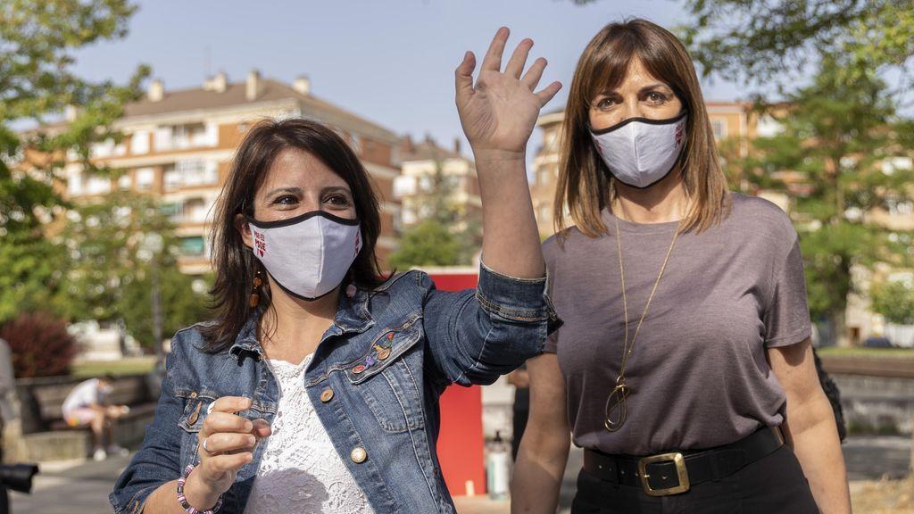 Adriana Lastra junto a Idoia Mendia en las elecciones vascas