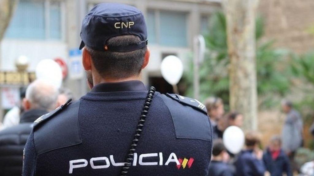 Aspirante a Policía Nacional salva la vida de una mujer en Sevilla