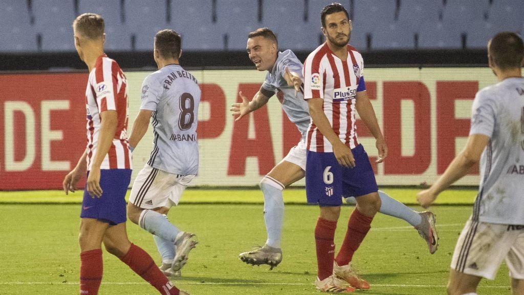 Fran Beltrán y Aspas celebran el gol ante Koke.