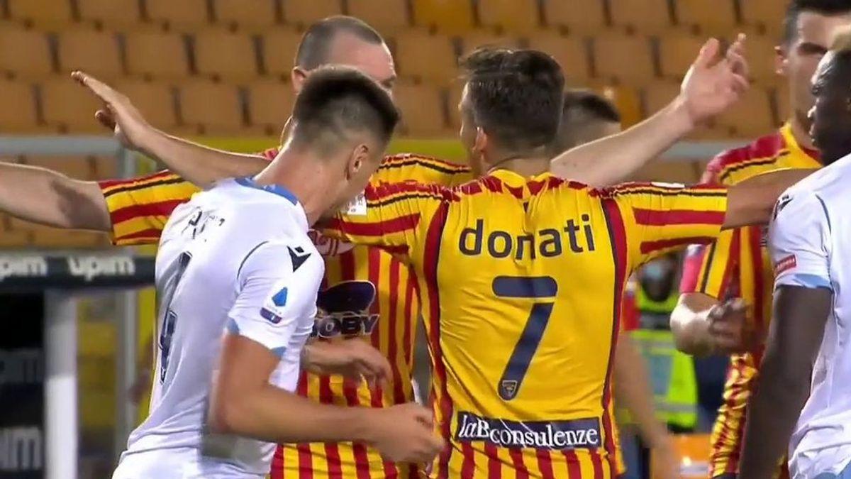 Patric Gabarrón, jugador español de la Lazio, expulsado tras morder a un rival en el brazo
