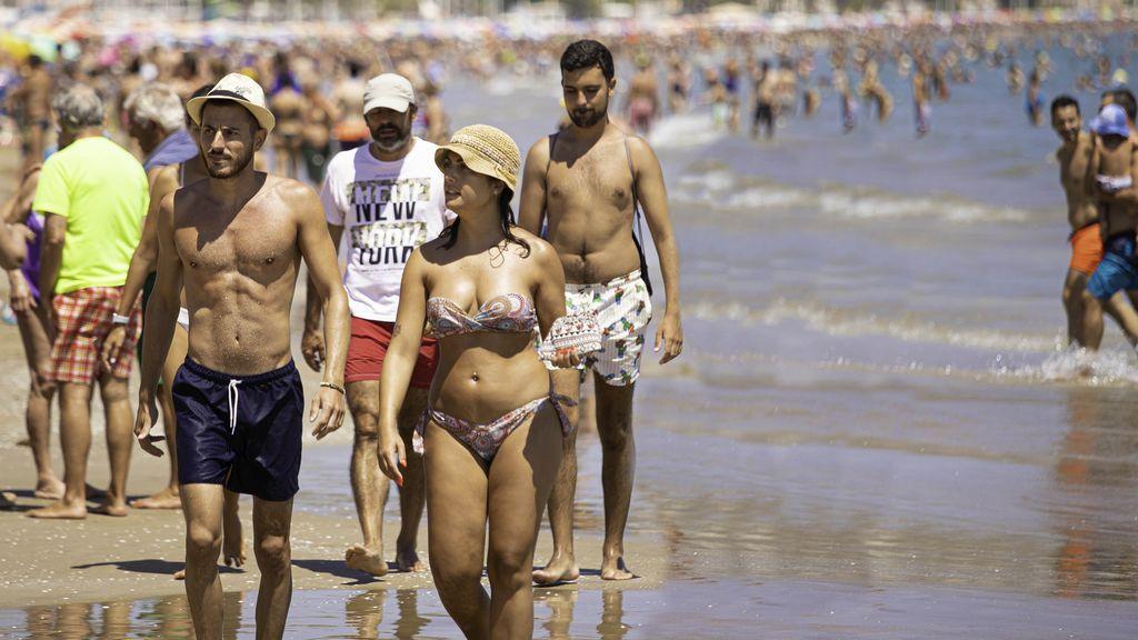 La playa de Cullera durante la temporada estival en julio del año pasado