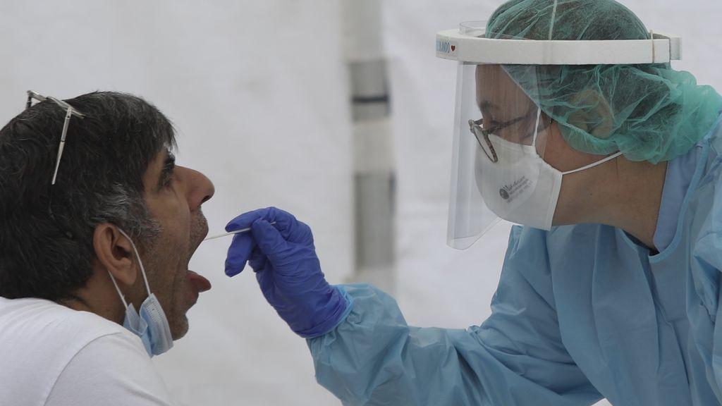 Los nuevos casos de coronavirus se reducen levemente a 241 en las últimas 24 horas