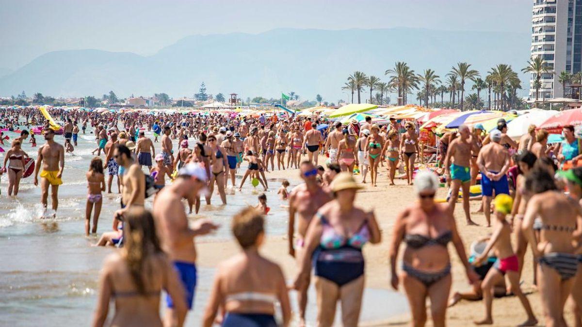La Playa de Cullera en plena temporada de verano en los años anteriores