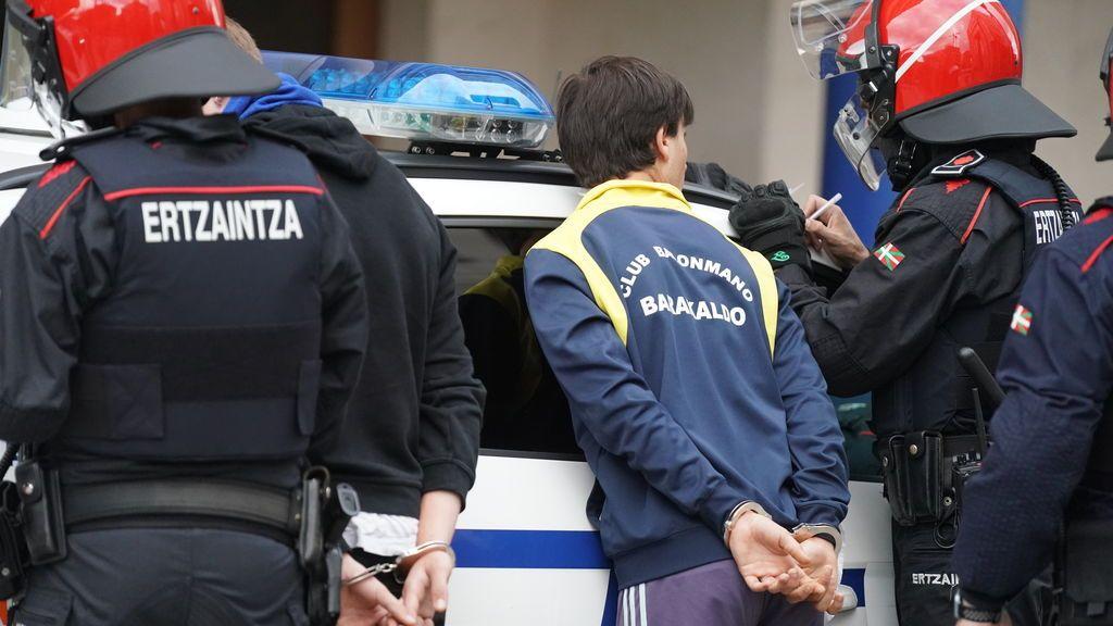 Elecciones Euskadi 2020: Cuatro detenidos durante los altercados en un mitin de Vox en Barakaldo