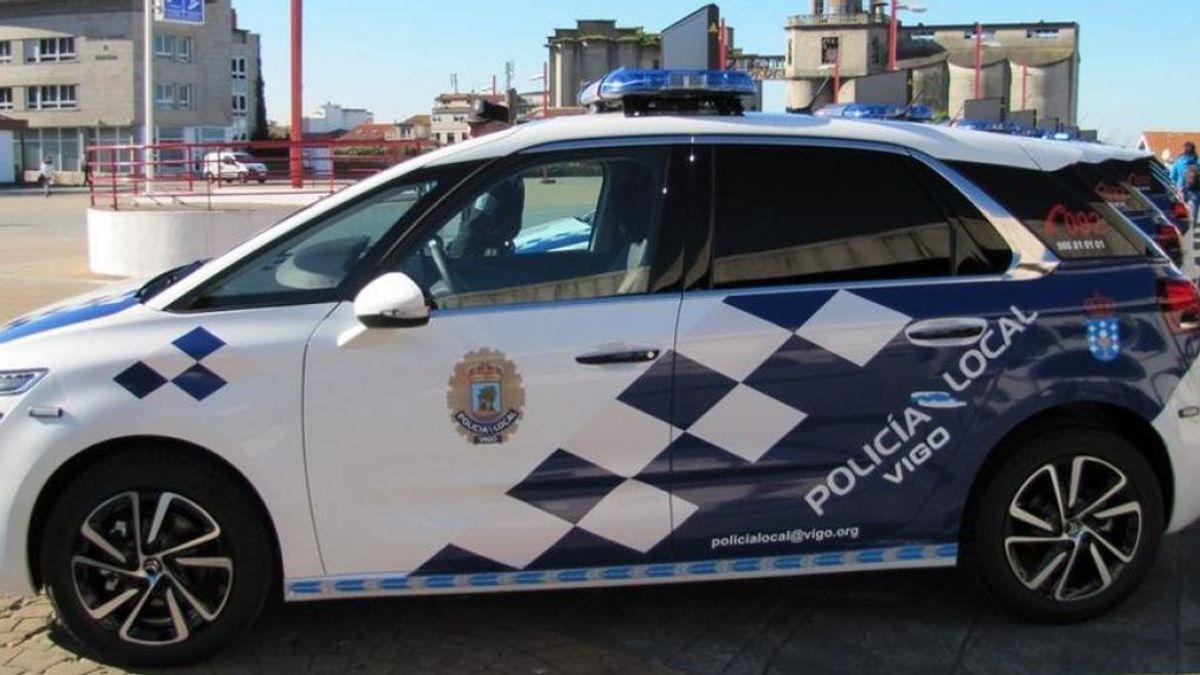 Tres individuos apuñalan a un hombre que discutía con su pareja en una calle de Vigo