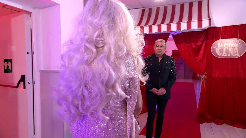 """El monumental mosqueo de Lydia Lozano con su peluca: """"Estás horrorosa"""""""