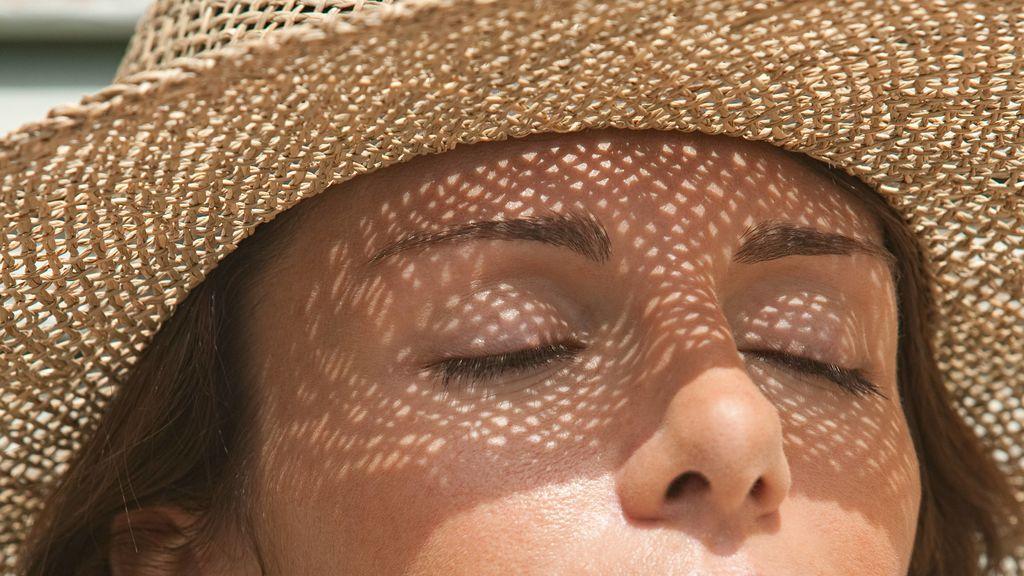 Con los rayos el sol, no solo tu piel sufre: expertos alertan de lesiones oculares importantes