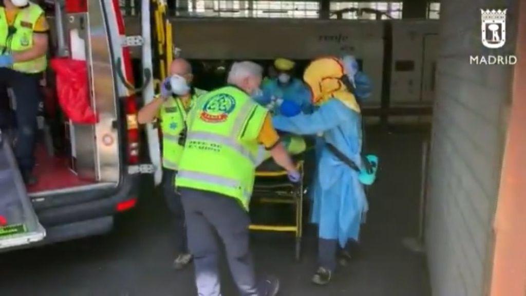 Muy grave un hombre tras caer desde el techo de la estación de Atocha a las vías