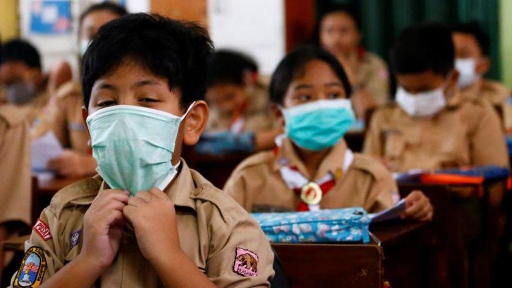 Los niños no son inmunes al coronavirus: los riesgos que acecharán a los menores cuando se reabran colegios