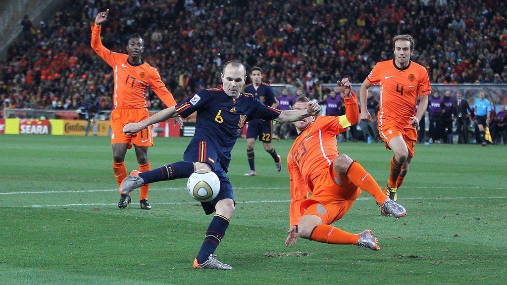 Iniesta marca el gol del Mundial de Sudáfrica.