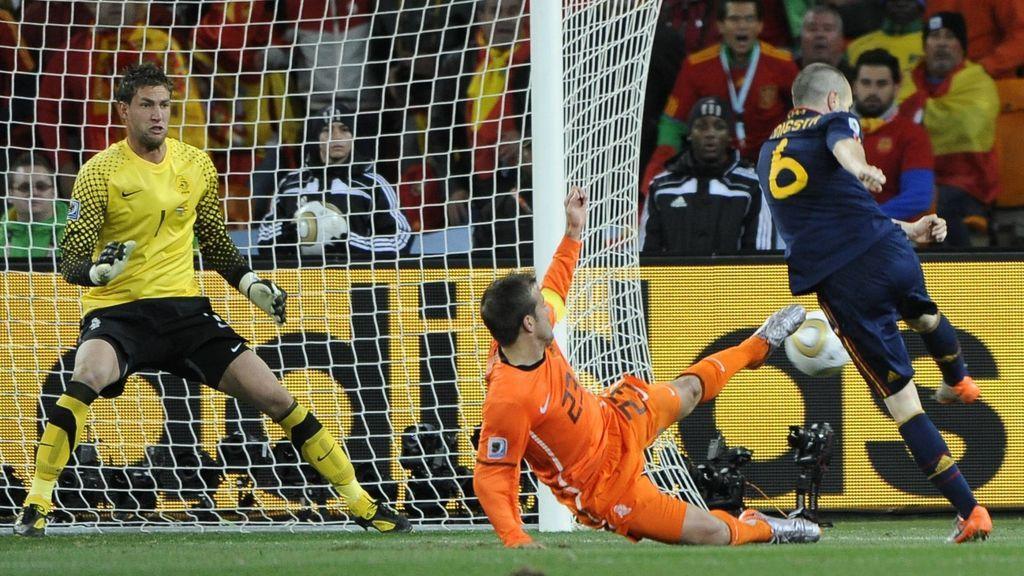 Iniesta marca el gol más importante del fútbol español
