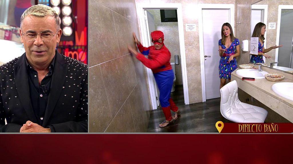 Chelo García Cortés, disfrazada de Spiderman