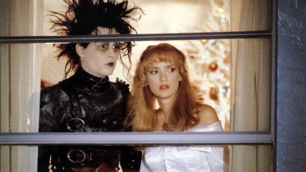 Johnny Depp y Winona Ryder, en 'Eduardo Manostijeras' (1990)