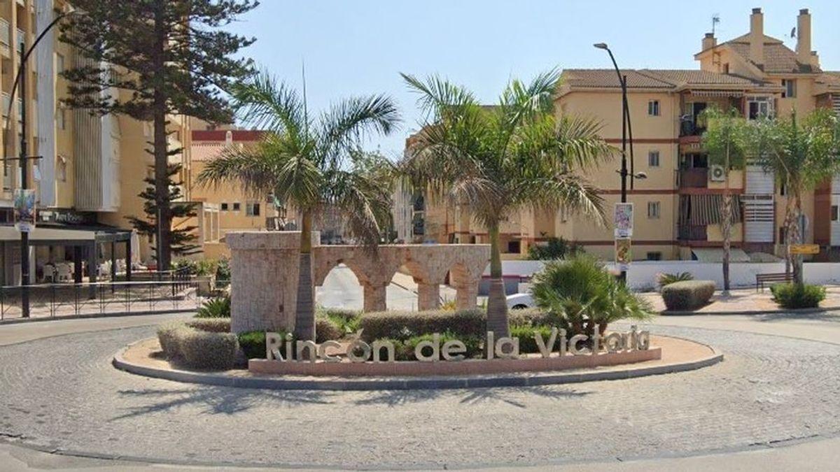 Cierran dos locales de comida rápida en el municipio malagueño de Rincón de la Victoria por dos positivos