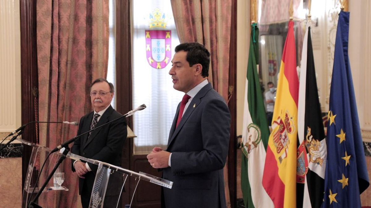 Juanma Moreno propondrá este lunes que sea obligatorio el uso de la mascarilla en Andalucía