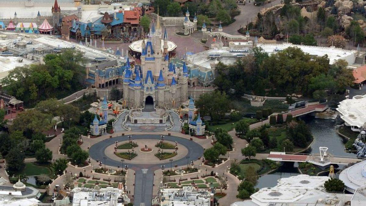 Disney World reabre sus puertas en medio del pico de la pandemia de coronavirus en Florida