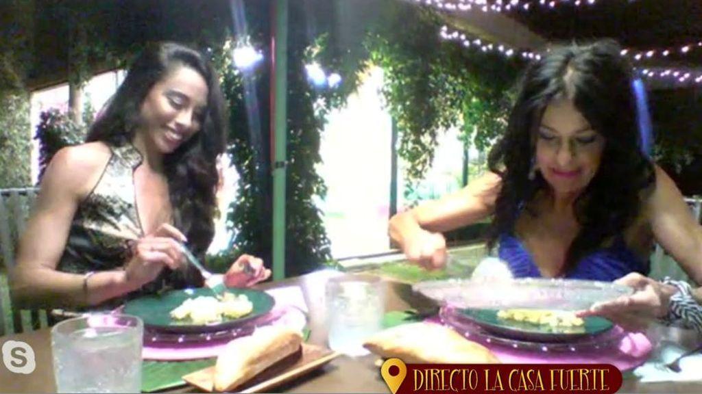 """Macarena y Maite adivinan quiénes han cocinado: """"La paella está hecha con mucho amor"""""""
