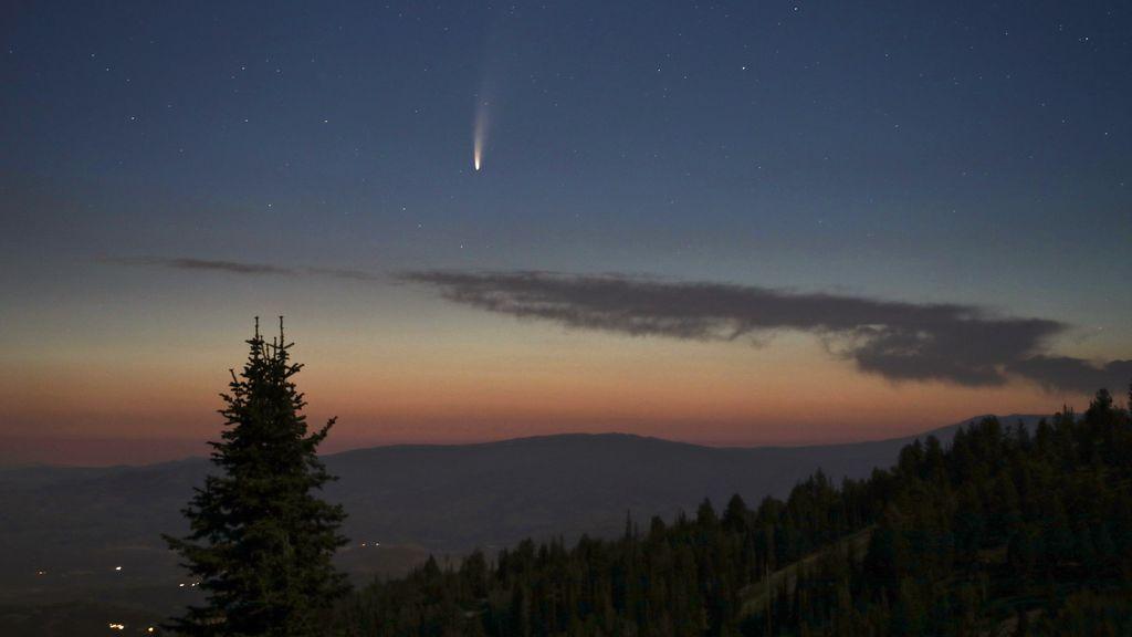 Neowise, el cometa más brillante de los últimos años, surca los cielos durante este mes de julio