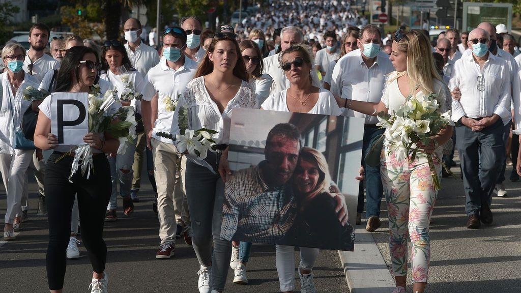 Muere el conductor de autobús francés que fue atacado por varios viajeros que no querían llevar mascarilla