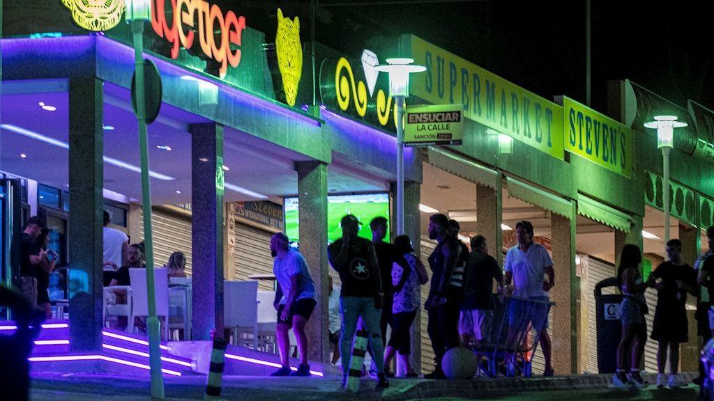 Magaluf: el turismo de borrachera sigue presente en el verano de la pandemia