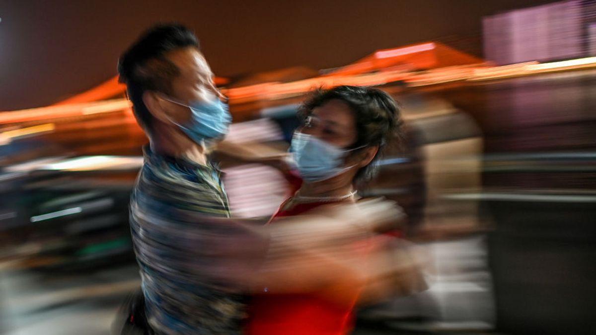 Cómo una asintomática se subió a un ascensor y desencadenó 71 contagios de coronavirus