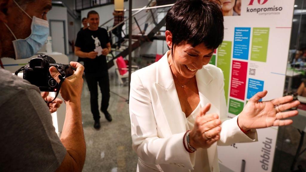 Noche electoral 12J: Feijóo consigue su cuarta mayoría absoluta y Urkullu mejora con tres escaños más, en imágenes