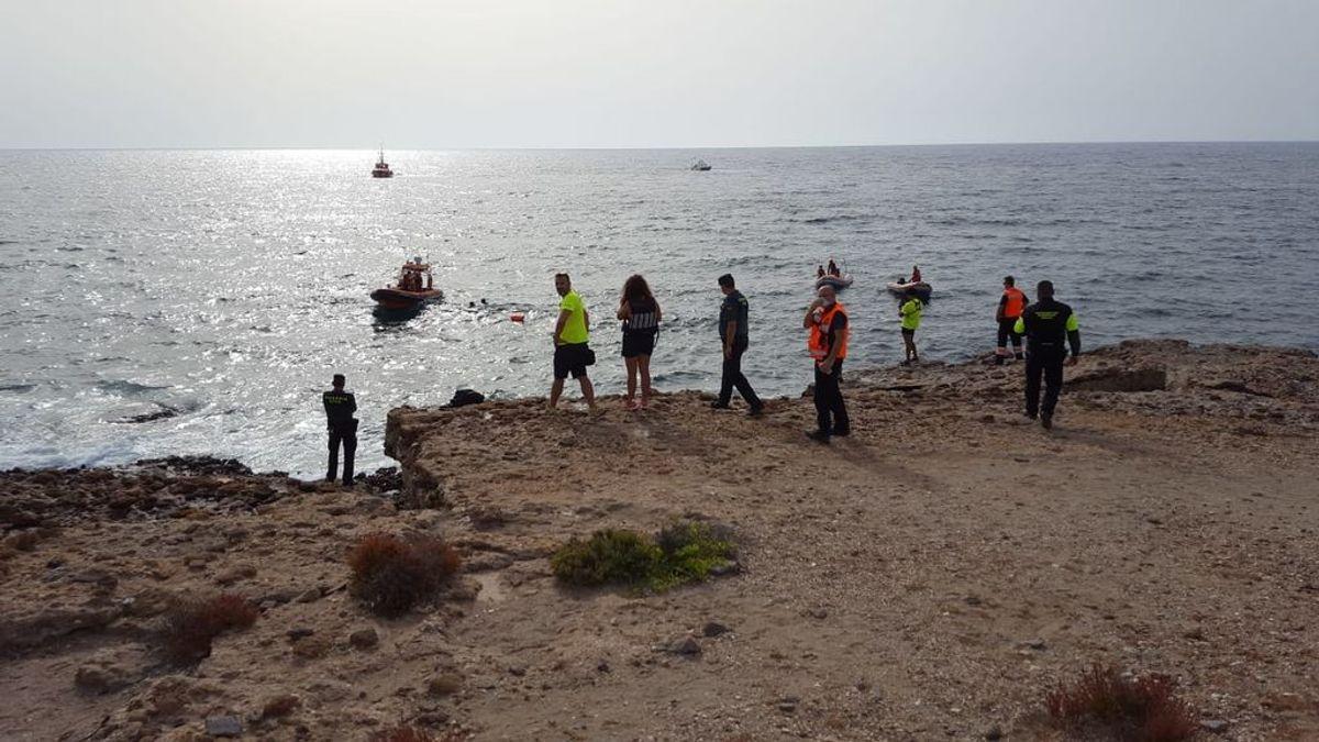 Encuentran el cuerpo sin vida de un joven de 18 años desaparecido en una playa de Águilas, Murcia