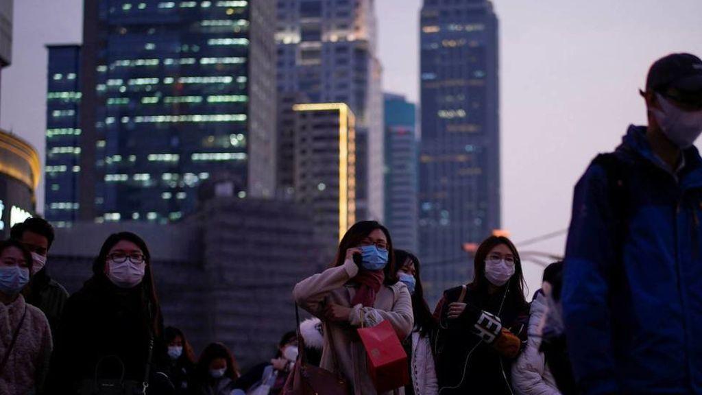 Cada persona infectada con COVID-19 puede transmitírselo a otras cuatro, según un experto de Hong Kong