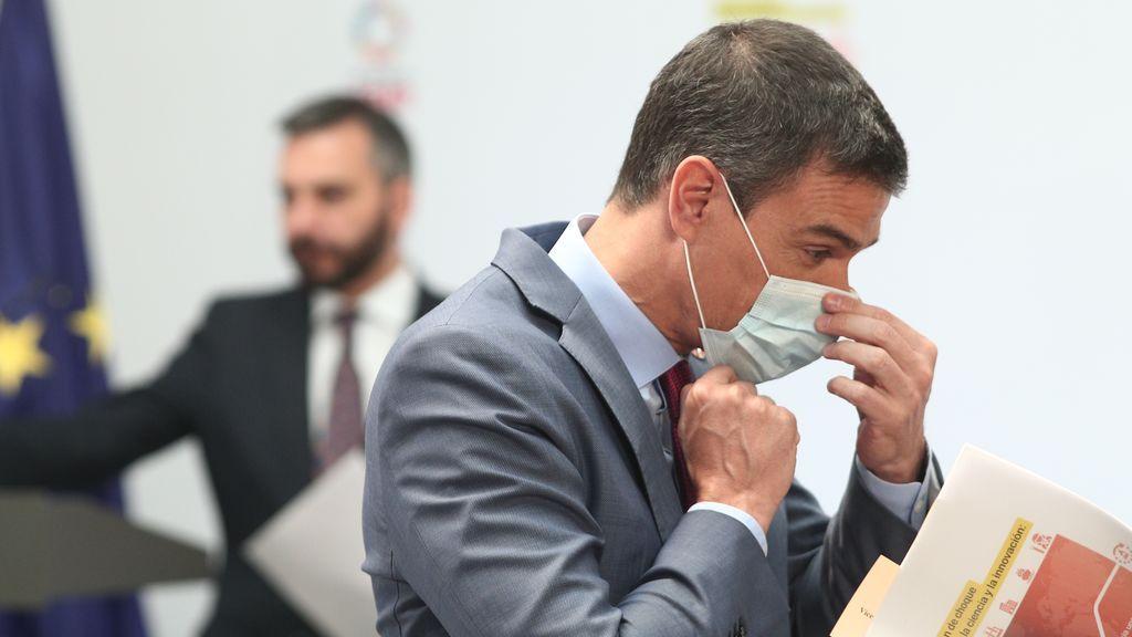 La COVID pasa factura al Gobierno de Sánchez mientras los sanitarios y el Ejército aumentan su 'popularidad'